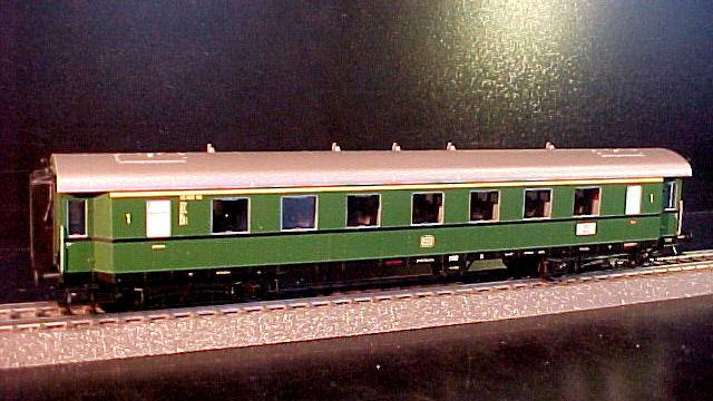 Schnellzugwagen 1. Klasse der DB Neukonstruktion