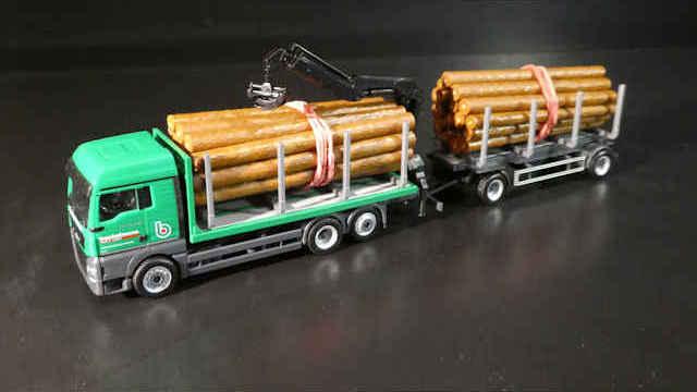 Herpa MAN Holztransporter-Hängerzug