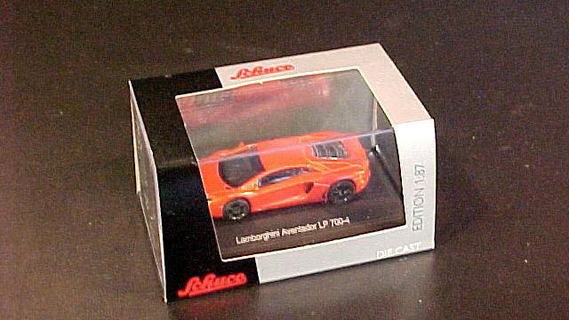 Lamborghini Aventador LP 700/4