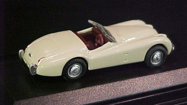 Jaguar XK 120 Fahrzeug Schuco 452617300 1:87