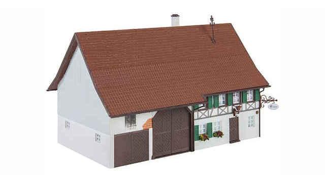 Bauernhaus mit Wirtschaft