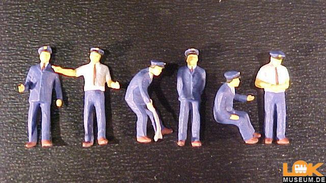 Japanisches Bahnpersonal