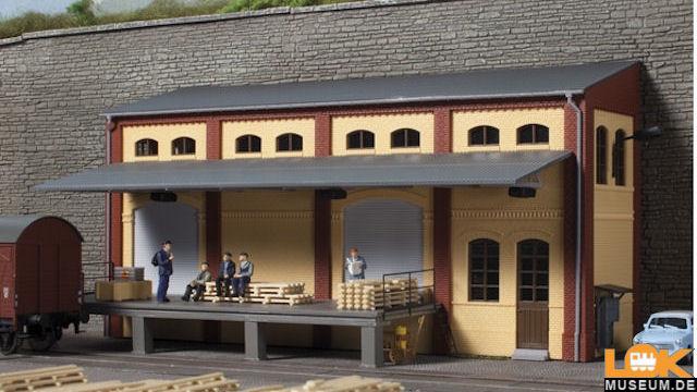 Lagerhaus - Halbrelief