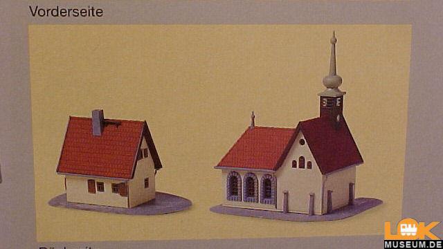 Dorfkirche mit Pfarrhaus