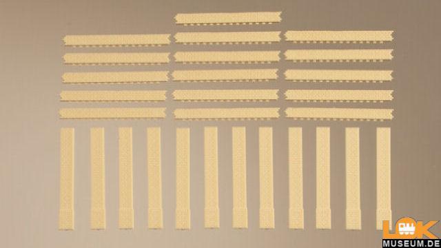 Säulen kurz und Ziegelfriese