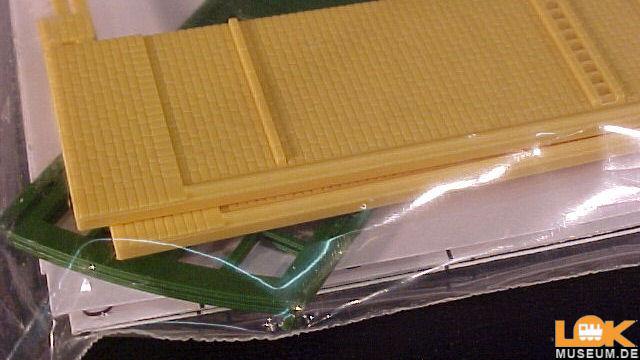 Wände gelb Tore grün