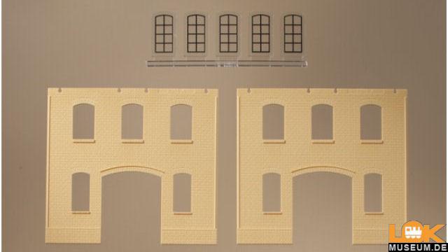 Wände und Industriefenster