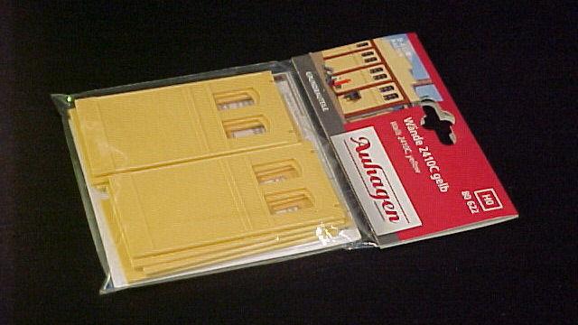 Wände 2410C gelb