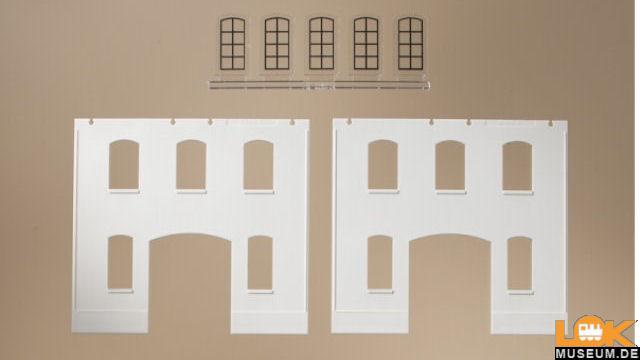 Wände geputzt und Industriefenster L