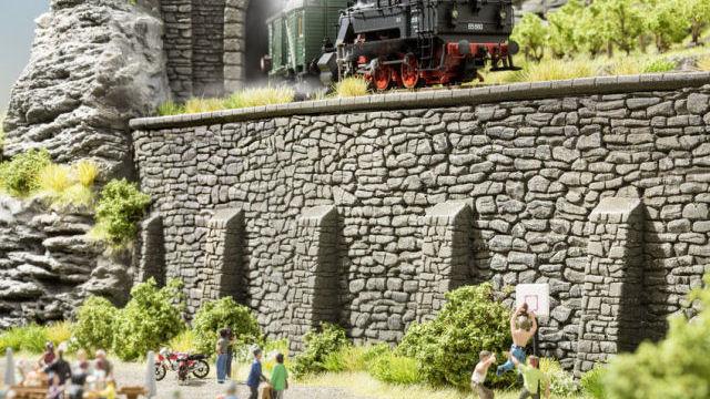 Stützmauer 33 x 12,5 cm