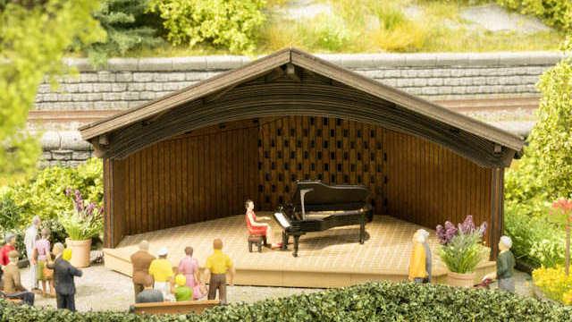 Kurkonzert mit micro-sound Klavierspiel