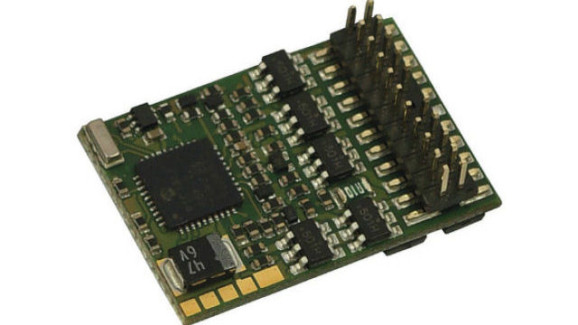 Rückmeldefähiger PluX22-Decoder