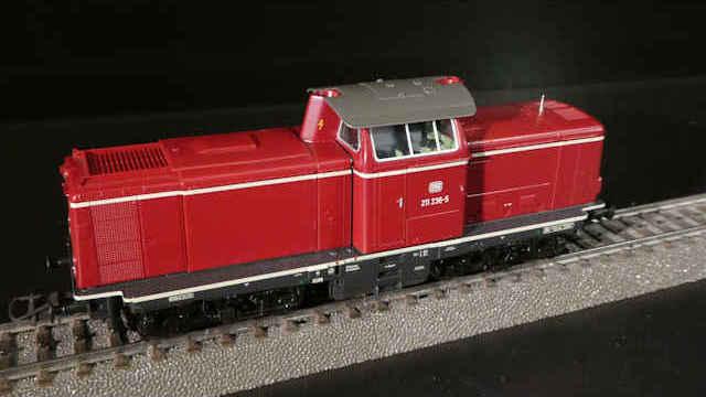 AC Spur H0 ROCO 58527 Diesellokomotive BR 211 der DB Sound