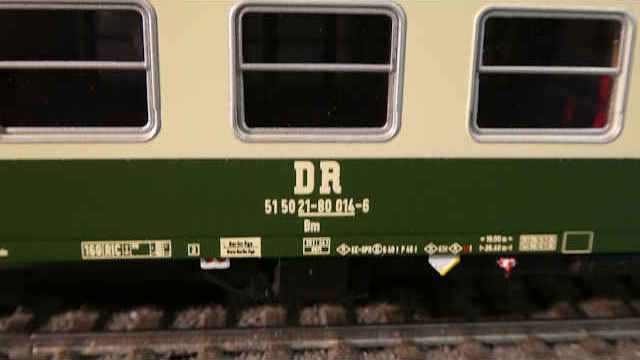Schnellzugwagen 2. Klasse der DR