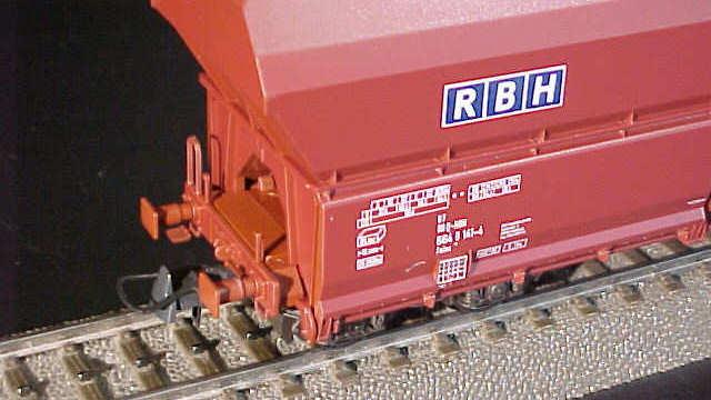 Selbstentladewagen der RHB
