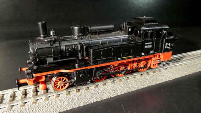 H0 Trix 21532  Startpackung Güterzug der DR Epoche III
