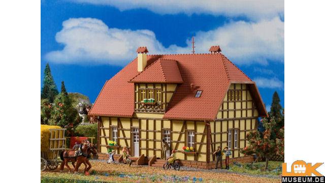 Siedlungshaus mit Fachwerk