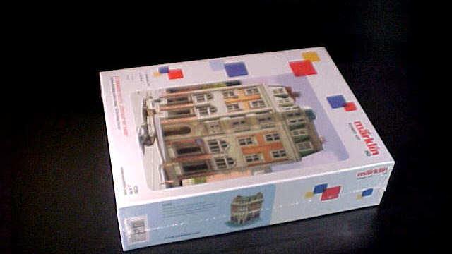 3D Gebäude-Puzzle Eckhaus mit Bank