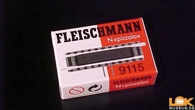 NEU Fleischmann 9115 N Gerades Gleis mit Schaltkontakt +