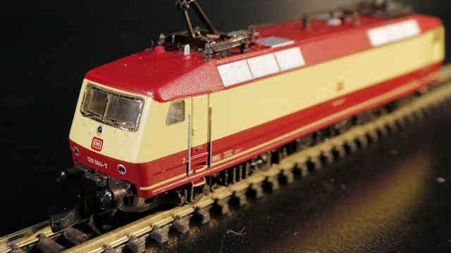 Mehrzwecklokomotive der BR 120 der DB